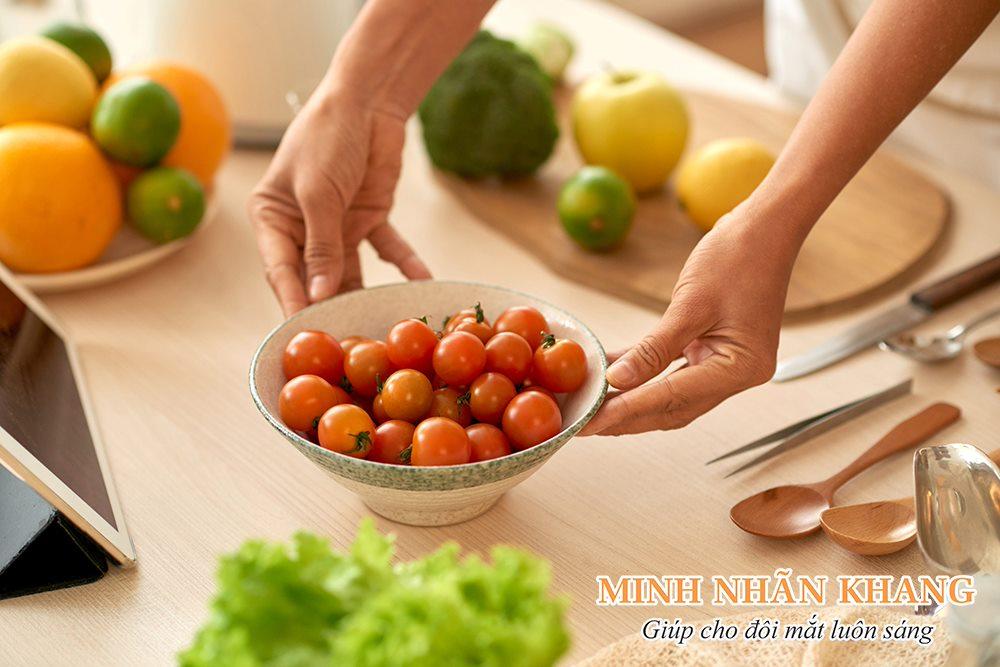 Ăn nhiều rau quả giúp chữa bệnh ruồi bay ở mắt sớm đạt hiệu quả cao